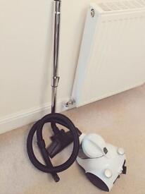 Vacuum cleaner cylinder