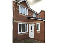 3 Bedroom Detached House to rent South Kirkby-NO FEES