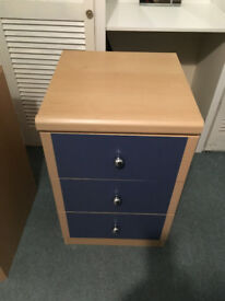 3-Drawer unit light pine effect with blue trim