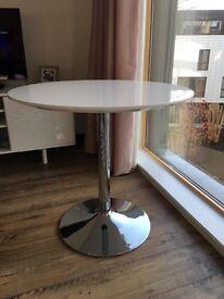 Round white dining table, dia 80 cm (Palermo)