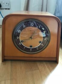 Retro Smiths wind up, chiming mantle clock.