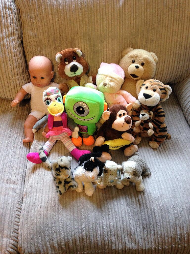 Teddy and Doll bundle - 12 items