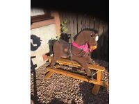 Rocking horse ( mamas papas )