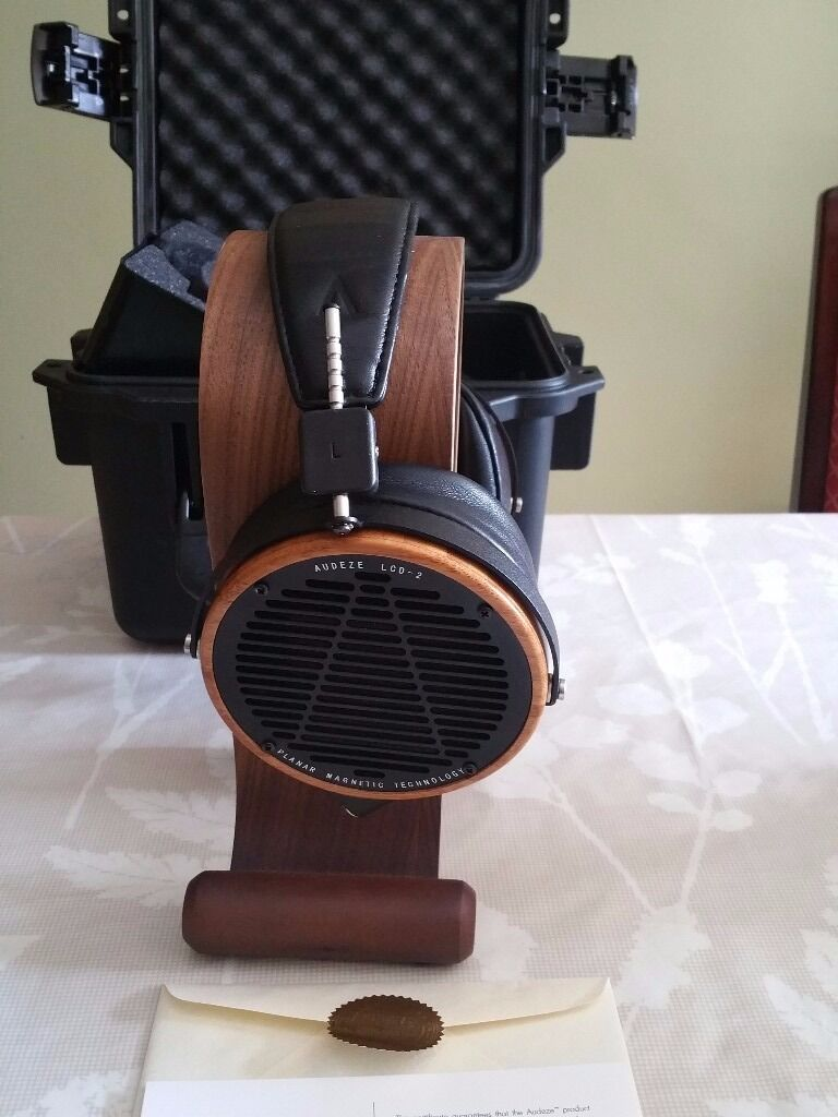 Audeze LCD-2 Fazor headphones - Mint condition with accessories, travel box & authenticity card