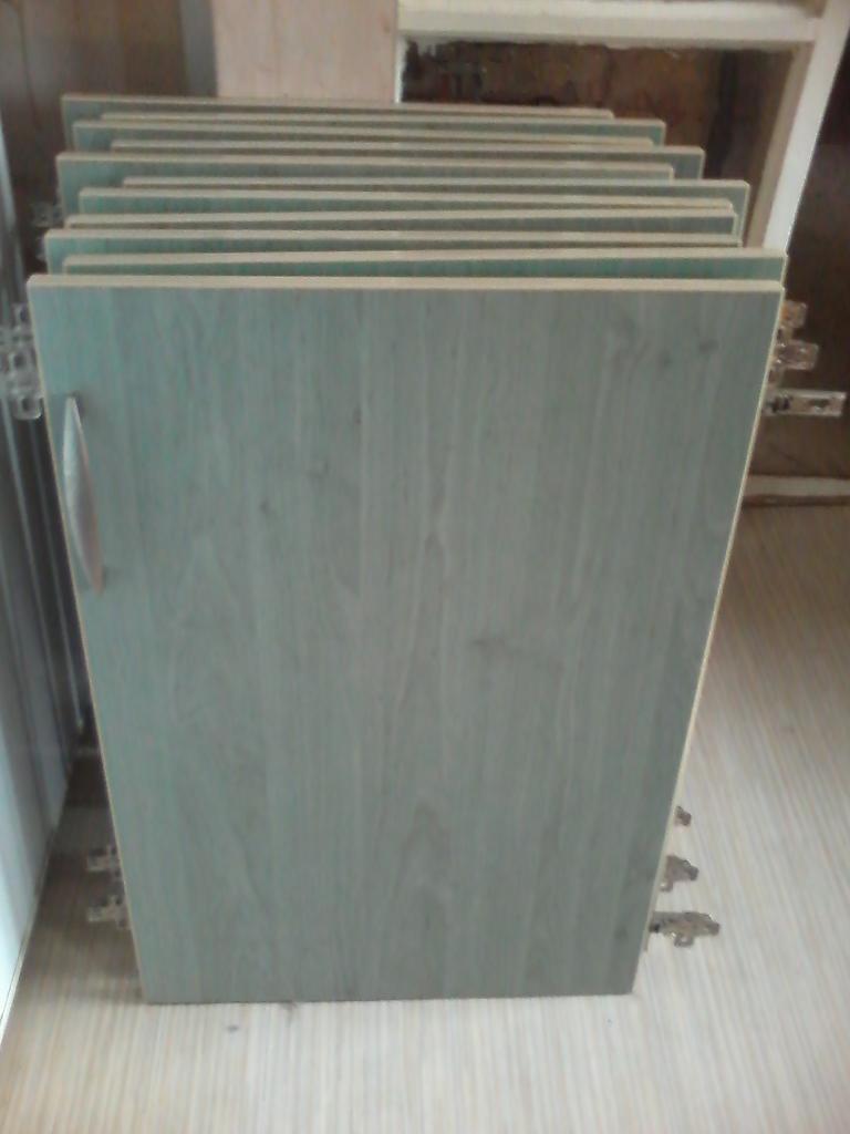 Kitchen Cupboard Doors x 11 + Drawer Fronts x 4