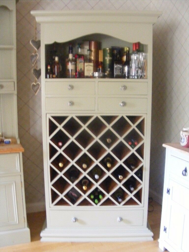 LOVELY SOLID FARROW AND BALL PAINTED WINE CABINET