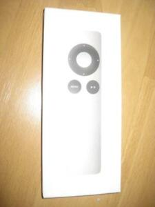 Apple Infrared Remote Control for iPhone / Ipad / Macbook / Apple TV. Connect Ipod to Home Stereo Speaker System