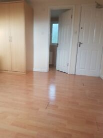 A large en-suite room, to rent in West Croydon all bills included