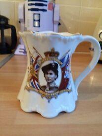 The queen comemerative mug,jug.
