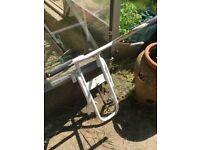 Stabiliser for top of extending ladder