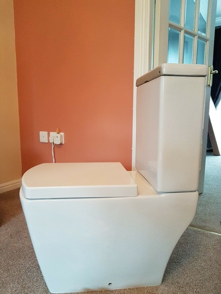 Trent bathroom suites - Modern Toilet With System And Seat