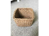 Small woven storage basket in great condition, good for storing bathroom toiletries