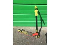 Childs slam scooter £25