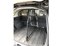 Land Rover Discovery Sport Dog guard, boot divider and rubber boot liner