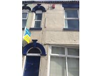***LET BY*** 1 BEDROOM FLAT- HANLEY -LOW RENT -DSS ACCEPTED-NO DEPOSIT-PETS WELCOME