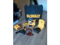 DEWALT DW077 SELF-LEVELLING ROTARY LAZER RED BEAM (CEILING AND PARTICIONER)