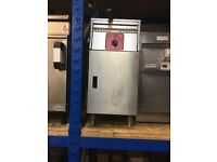 FriFri Free Standing Single Tank Single Basket Fryer (Natural Gas)