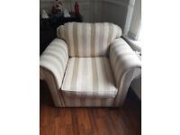excellent condition 2 piece sofa set