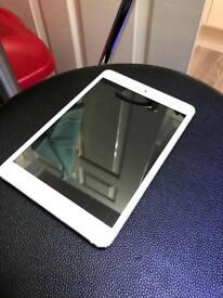 Apple iPad Mini 16gb WiFi. Silver. Excellent condition