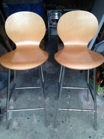 2 kitchen stools