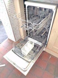 Candy slimline dishwasher