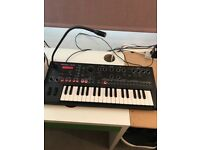Roland jdxi synth/drum machine