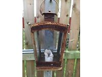 Vintage style Exterior Hanging lantern ideal for the decoration of any garden/patio