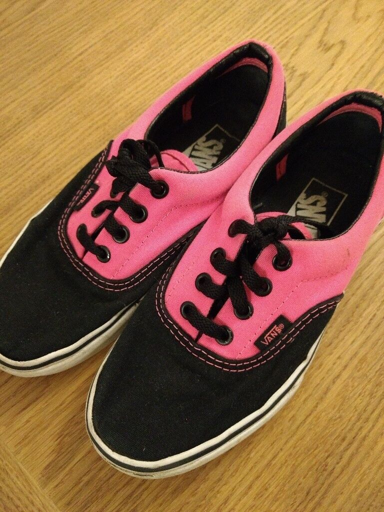 48b8bde1fa Vans Authentic Off the wall Skater Trainers Shoes Black   Pink US 5.5 UK  size 3