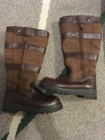 Duberry boots