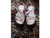 Blox girls sandals size 3