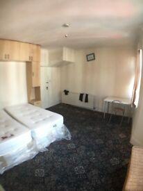 DOUBLE/TWIN ROOM IN KILBURN JUBILEE 24h ALL BILL ARE INC DONT MISS IT