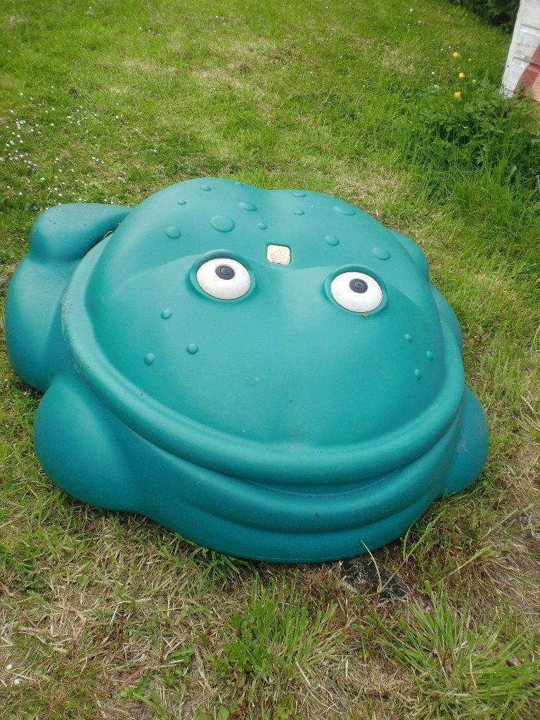Frog sandpit in perth perth and kinross gumtree for Elc paddling pool