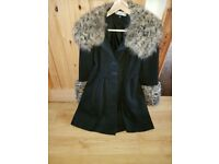 Ladies coat fur cuff and colar