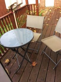 Outside table 2 chairs