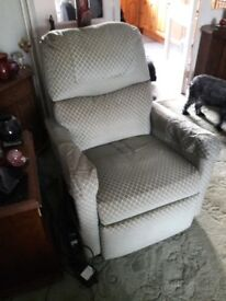 Cosi Electric Recliner Chair