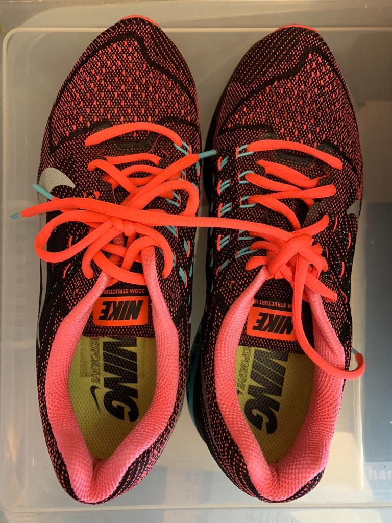 63adf18bd1e0 Nike Ladies Stable Ride Running Trainers Size 7