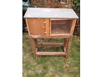 rabbit hutch and stand good condition only £15.00