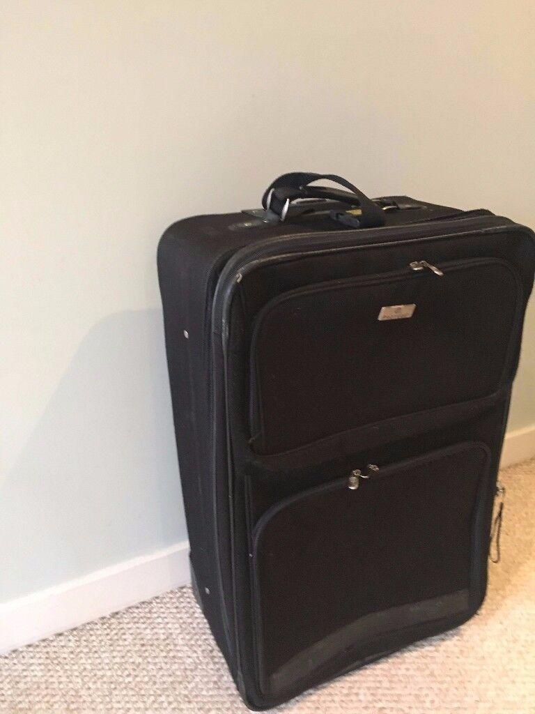 Black large suitcase / travel bag