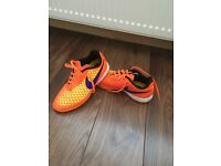 Nike magistra indoor trainers