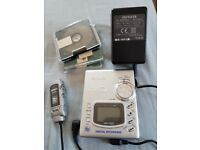 Awia recordable, radio mini disc player and all accessories