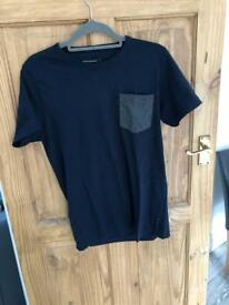 Fence connection men's top