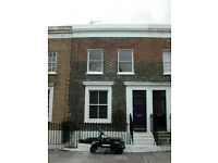 Canary Wharf / Poplar, 3 bedroom house, fully furnished, quiet street, close to DLR and Underground