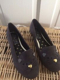 M&S Girls Mouse Shoe - Size 1