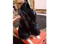Black/blue stitching Nike Air Max 90