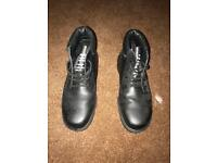 Steel toe cap work shoes