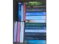 18 books! Jodie Picoult, Dorothy Koomson & assorted others