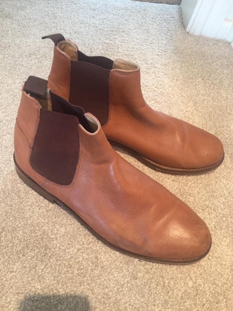 Tan men's boots in size 10 ben sherman