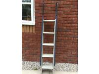 SET OF EXTENDING ALUMINIUM LADDERS EXTEND TO 11FT 6 IN £15