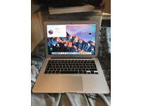 "MacBook Air 13"" Early 2014 4GB RAM 1.4 GHz Intel Core i5 128GB SSD"