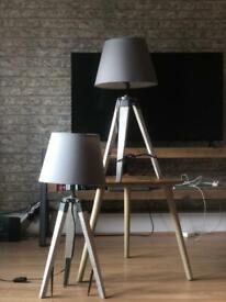 2x Lamps